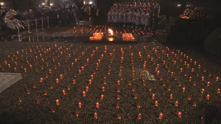 南京举办烛光祭 为大屠杀死难者守灵