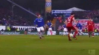 各种炫酷的足球技能:梅西、厄齐尔、贝尔、C罗、内马尔