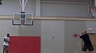 篮球神技急速后撤跳投教学
