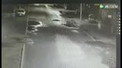 黑龙江15岁女生醉倒街头遭两车碾压身亡,肇事者逃逸后投案