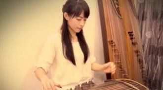 周杰伦的《菊花台》美女用古筝弹奏安慰你浮躁的心!