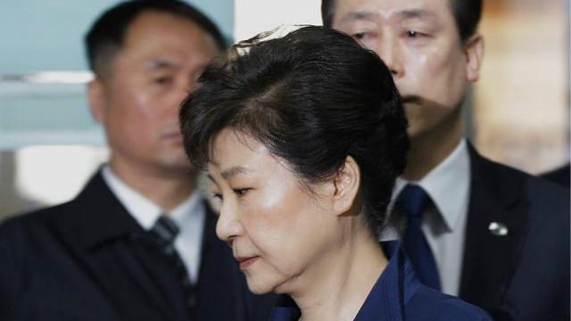韩媒:朴槿惠被批准逮捕 成韩国第三位被捕前总统