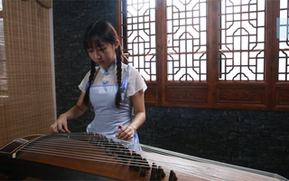 SNH48周怡【古筝】-千本樱