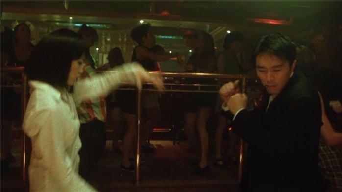 周星驰这段舞蹈是致敬好莱坞大师昆丁塔伦蒂诺的《低俗小说》,经典中的经典