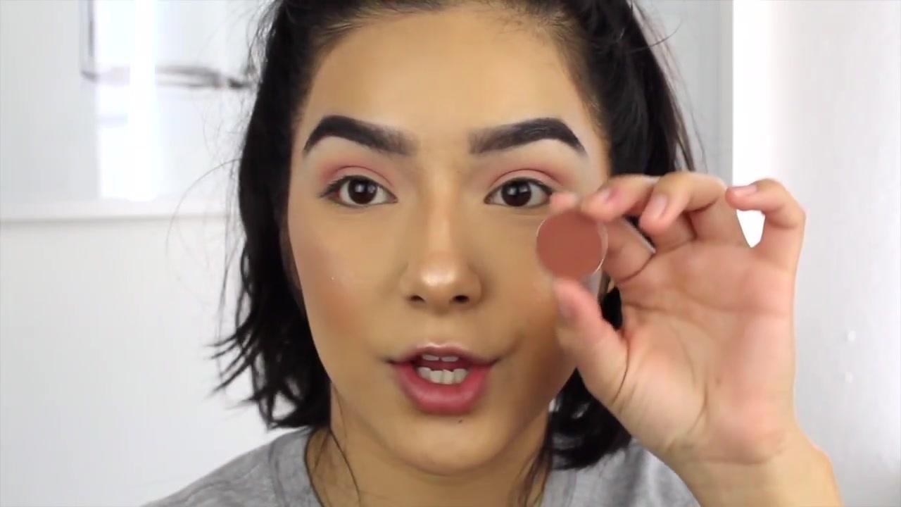 Faye Claire | 淡紫色亮片眼妆教程 Glittery Mauve Eye Look!