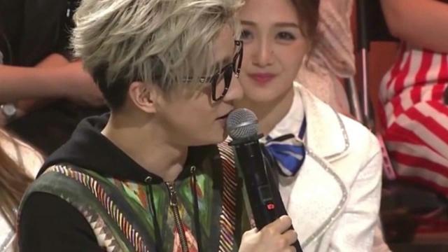 薛之谦演唱会喊话前妻高磊鑫:有个承诺今天才做