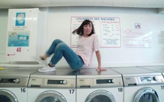 【一言不合就跳舞】法国B-girl洗衣房大玩Breaking
