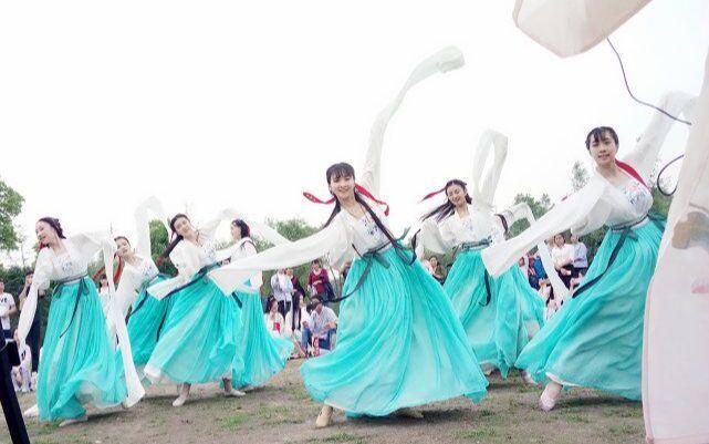 【汉服活动】 【采薇】 潇湘汉服踏青活动~十三月少女天团的小仙女跳的采薇~