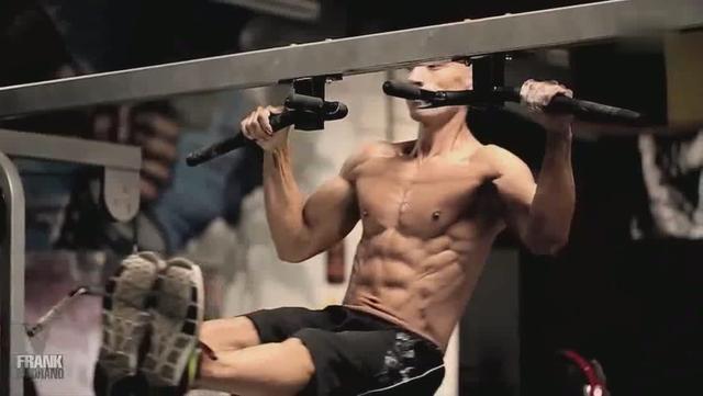 健身狂人弗兰克健身房曝光 大神健身就是有范