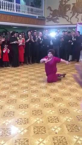"""新疆""""说唱""""AJAP.大妈实力尬舞!"""