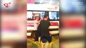 深圳沃尔玛砍人事件致2死9伤 目击者:凶手见人就砍