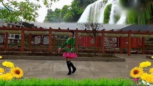 湖北敏敏广场舞《三月三》