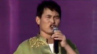 朱之文现场演唱《草原上升起不落的太阳》,好听醉了!