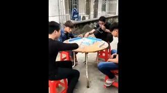 爆笑兄弟之赌神2,想打麻将不输钱就来看看!