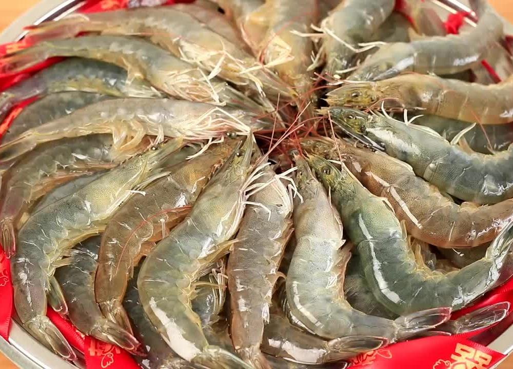 大虾这样做太好吃了,比清蒸红烧过瘾十倍,这味道绝了,3斤不够