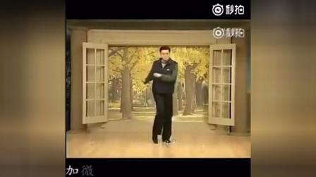 张家口生活的一个韩国男人跳舞,太魔性了