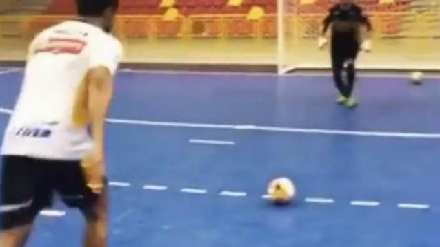关于足球的炫酷整人球技,这些炫酷的球技学两招