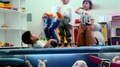 《不可思议的妈妈2》胡可曝光小鱼儿跳街舞的片段,很有气势呢