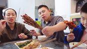 超小厨美食:翻车现场,斤泡菜鱼没吃饱,元烧烤加炒粉,吃过瘾