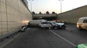 【西安】监拍越野车躲垃圾撞上面包车致2死6伤 的哥路遇车祸英勇救出2人-现场直击-青苹果866