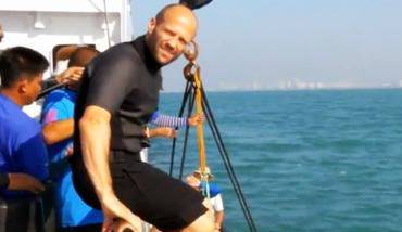 杰森斯坦森将出演《巨齿鲨》:与20米巨鲸斗狠!