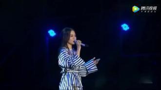 张韶涵唱《隐形的翅膀》真好听
