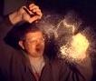 【极速摄影】揭秘神奇的玻璃制品:鲁珀特之泪
