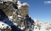震撼!实拍瑞士雪山巨石跌落