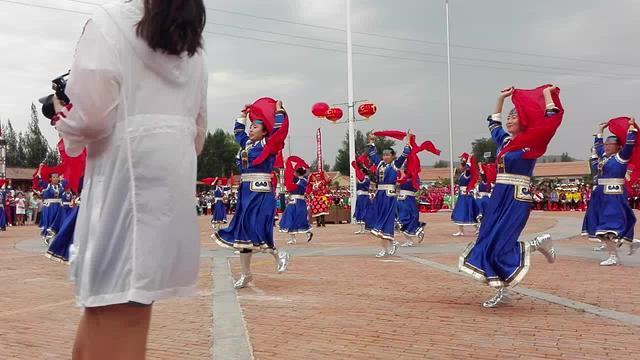 草原儿女欢歌载舞,庆祝党的生日暨内蒙古自治区成成立70周年!