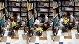 David - 在书店跟爸爸看书(26个月-2014.08.30)