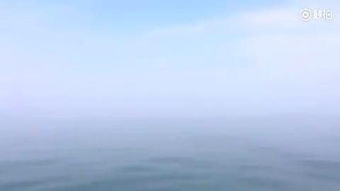 海,浩瀚的天 天,深蓝的海