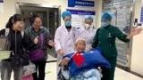 重症病房里唱红歌,9旬老人跨越70年的爱国情燃爆ICU