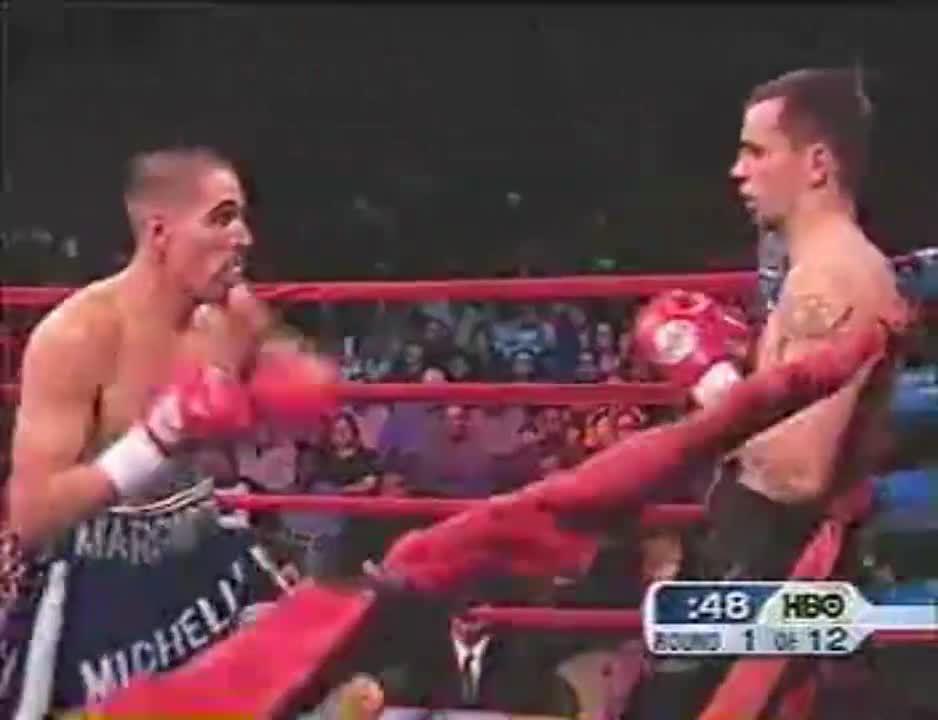 拳赛:马加里托VS基维洛斯