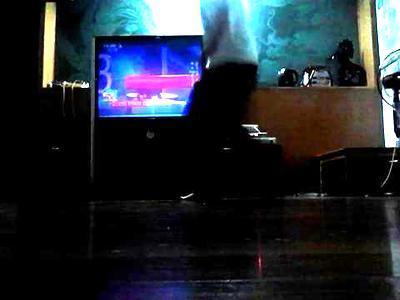 小海:初学鬼步舞!