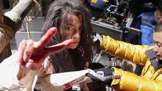《刺客列传之龙血玄黄》花絮:陈雨成牢房装血包