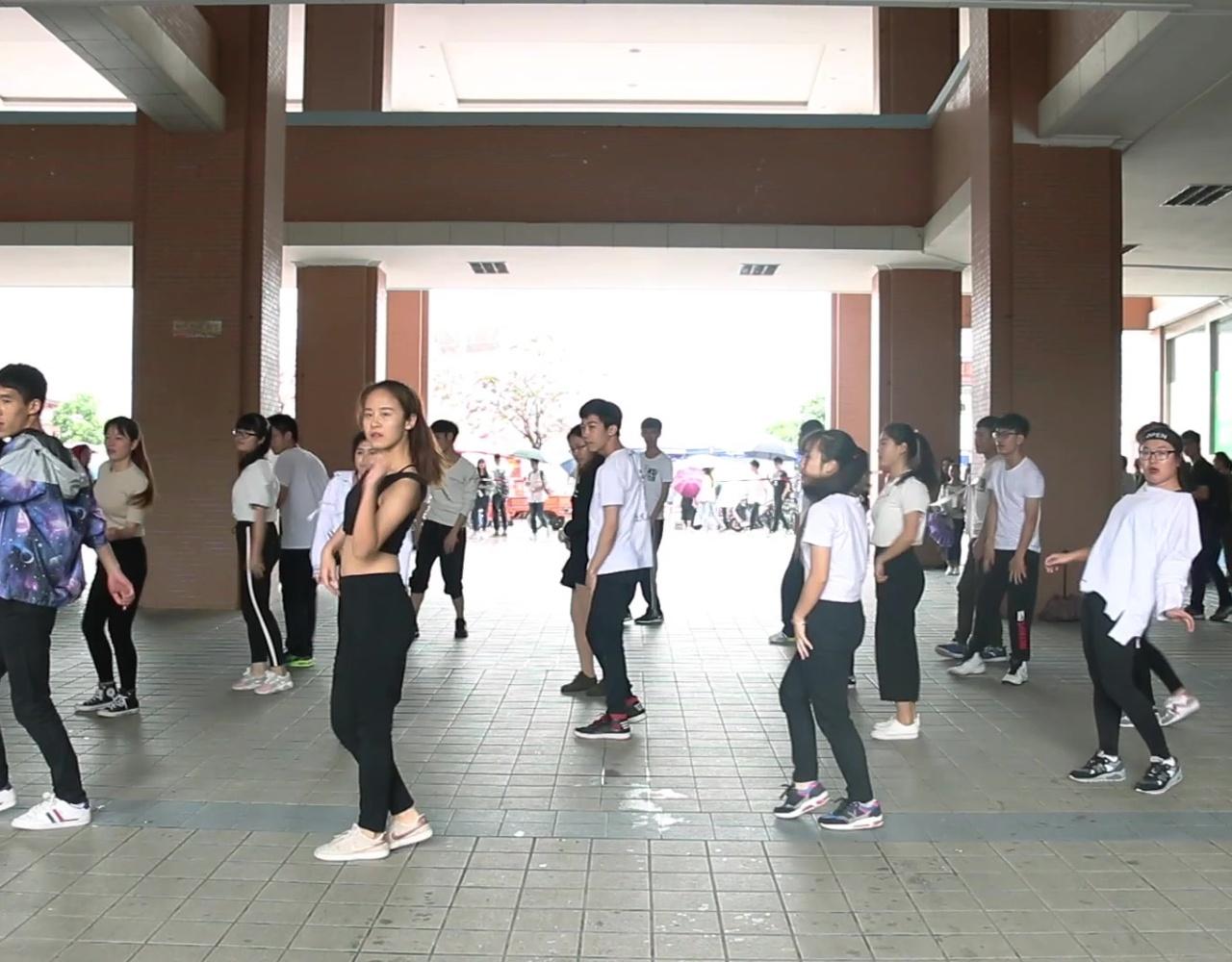 2017年桂林电子科技大学 数学与计算科学学院 快闪