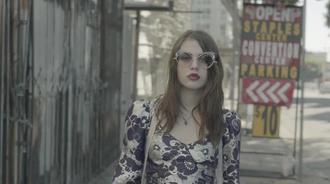 马克·雅可布春季2017特色弗兰西丝·宾恩·科本
