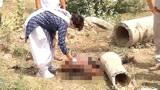 太残忍!印度一女子遭奸杀后抛尸被狗啃食
