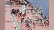 刚刚!一渔船南沙海域遇险船上32人已全部救出现场画面曝光