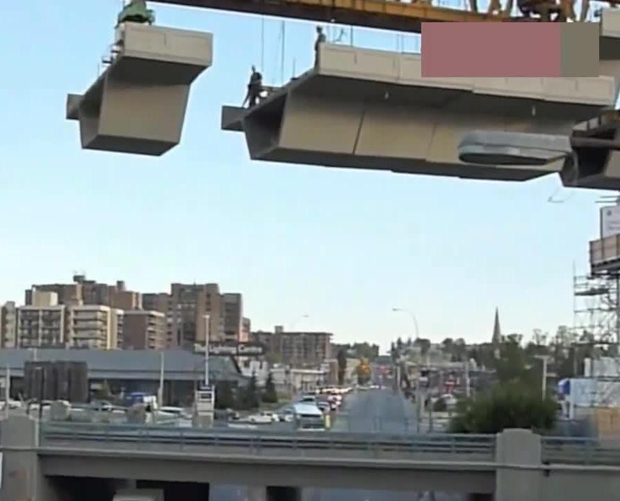 """印度修高架桥用特殊""""胶水""""粘合,谁敢在这样的桥上开车?"""