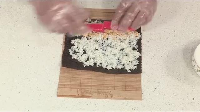 家常菜蟹柳寿司小卷做法