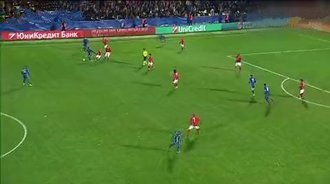 【进球】里贝里禁区得球直塞 贝尔纳特小角度扳平比分