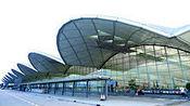 香港机场交通意外致24人受伤 两趟航班取消