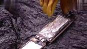 生活-简单粗暴 把iPhone6s丢到熔岩中