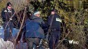 难民被美国警察追捕至边境,加拿大警察对其施于援手