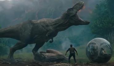 《侏罗纪世界2》震撼预告:火山爆发,恐龙四散逃亡,占领世界!