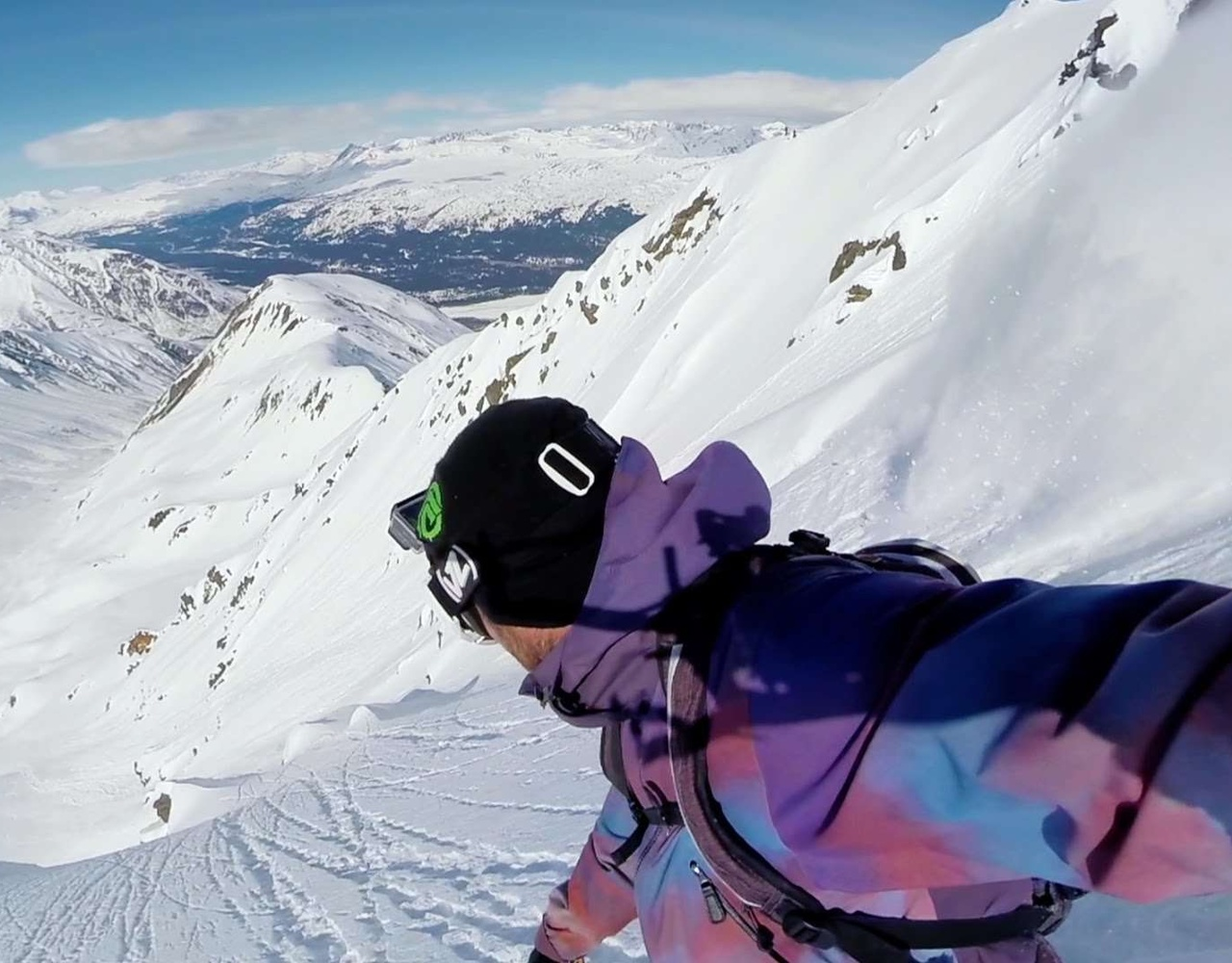 雪山上滑行