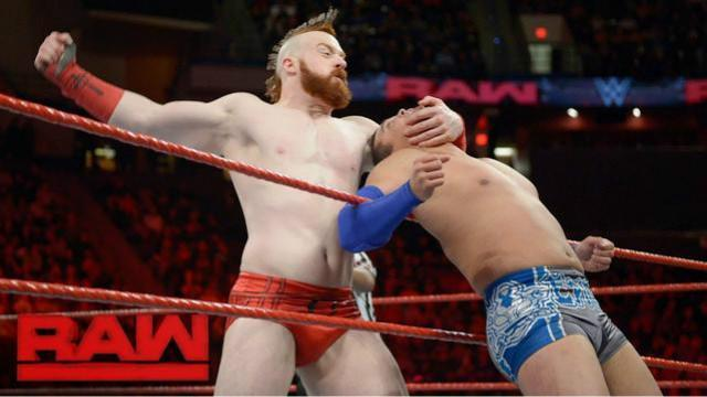 WWE Raw最新赛事:塞萨罗联手大白鲨希莫斯,对抗闪耀巨星