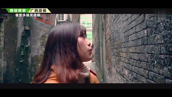 搞笑视频:尾随妙龄女子,被逼到巷子角落怎么办?