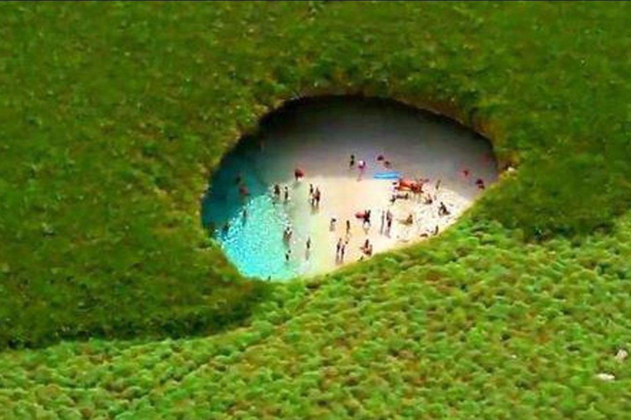山里藏着个海滩,不会潜水进不去,人间少有世外桃源